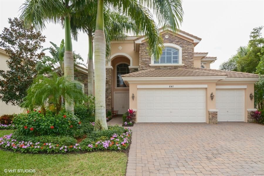 Single Family Home for Sale at 641 Edgebrook Lane 641 Edgebrook Lane Royal Palm Beach, Florida 33411 United States