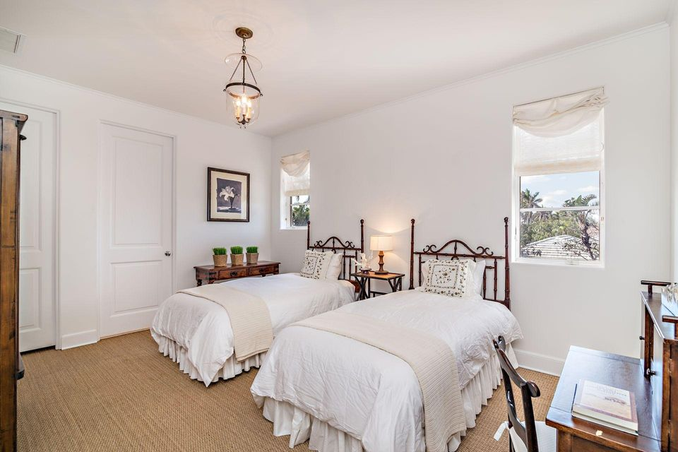 1066 N Ocean Boulevard , Palm Beach FL 33480 is listed for sale as MLS Listing RX-10394555 photo #15