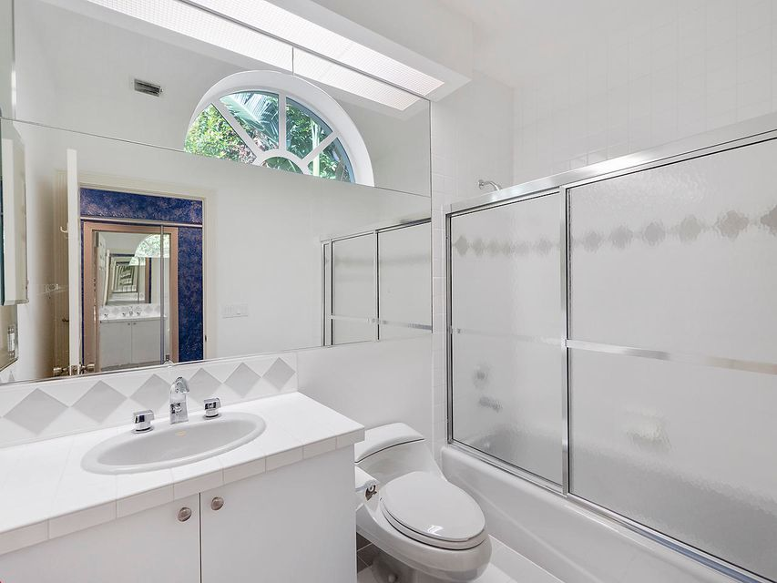 333 eagle drive jupiter fl 33477 rx 10399228 in admirals for Bathroom remodel jupiter fl