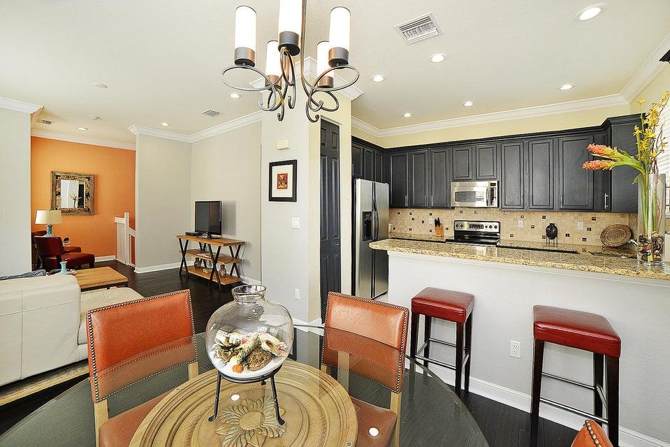 450 Amador Lane 6  West Palm Beach, FL 33401