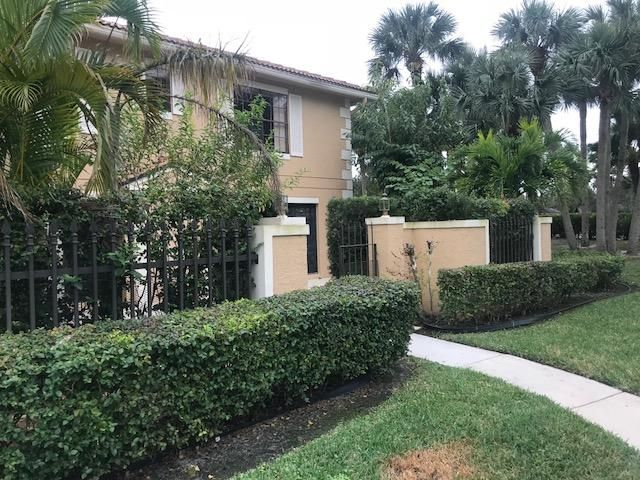 Townhouse for Sale at 359 Prestwick Circle # 3 Palm Beach Gardens, Florida 33418 United States