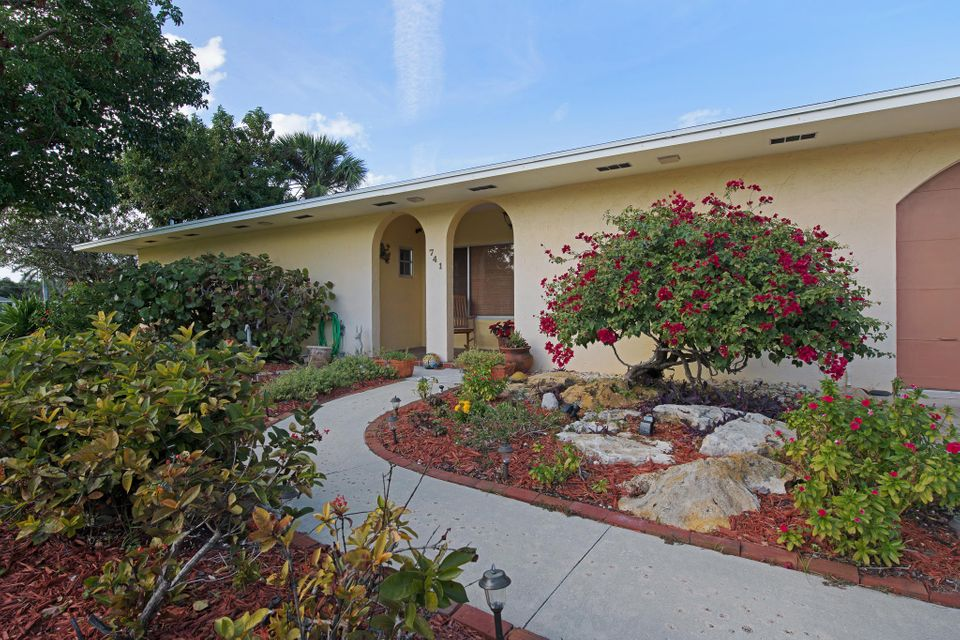 741 Jacana Way North Palm Beach,Florida 33408,4 Bedrooms Bedrooms,3.1 BathroomsBathrooms,A,Jacana,RX-10398620