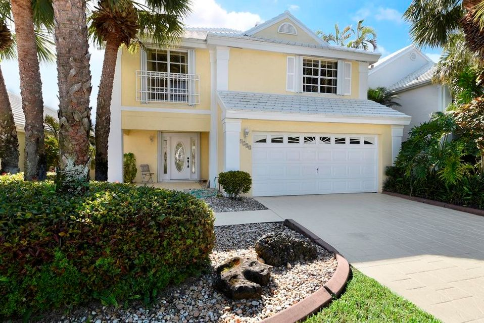 Single Family Home for Rent at 9222 Heathridge Drive 9222 Heathridge Drive West Palm Beach, Florida 33411 United States