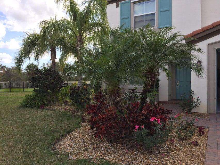 2201 Arterra Court Royal Palm Beach, FL 33411 photo 2