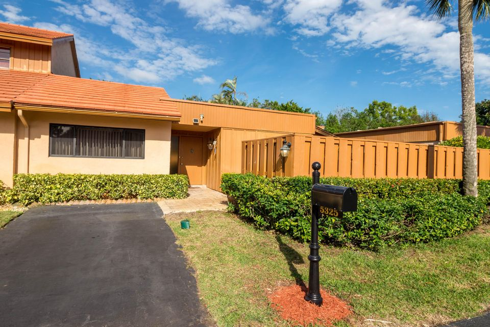 Home for sale in Oakdale Townhomes Ii Boynton Beach Florida