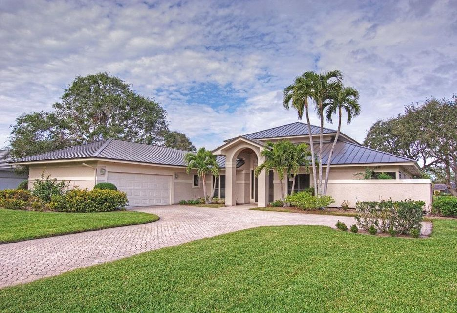 Single Family Home for Sale at 6385 SE Baltusrol Terrace 6385 SE Baltusrol Terrace Stuart, Florida 34997 United States