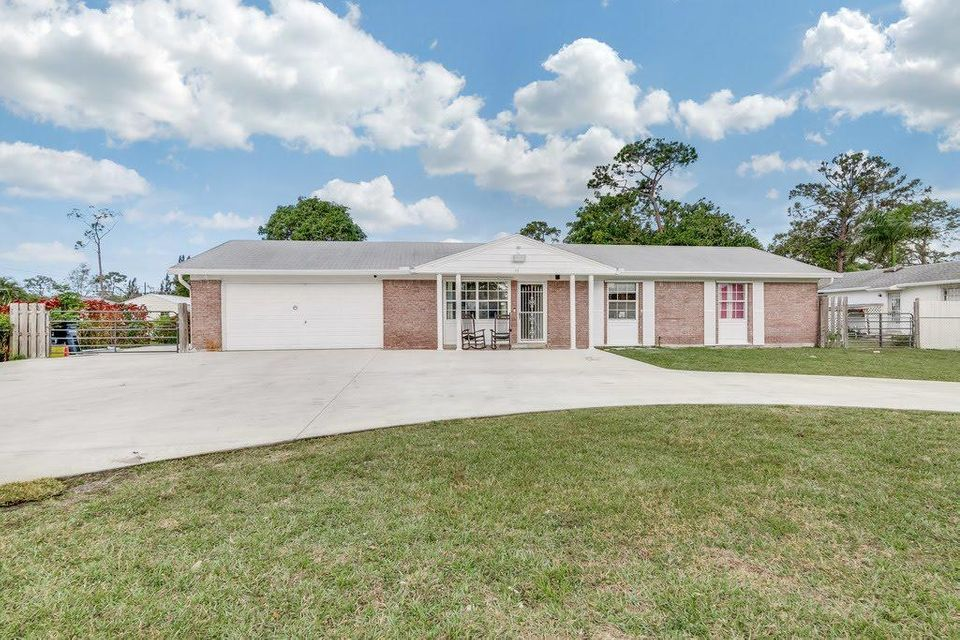 112 Cuyahoga Road , Lake Worth FL 33467 is listed for sale as MLS Listing RX-10399119 26 photos