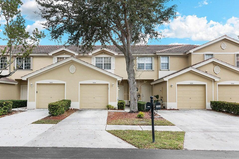 7650 Sonesta Shores Drive  Lake Worth, FL 33460