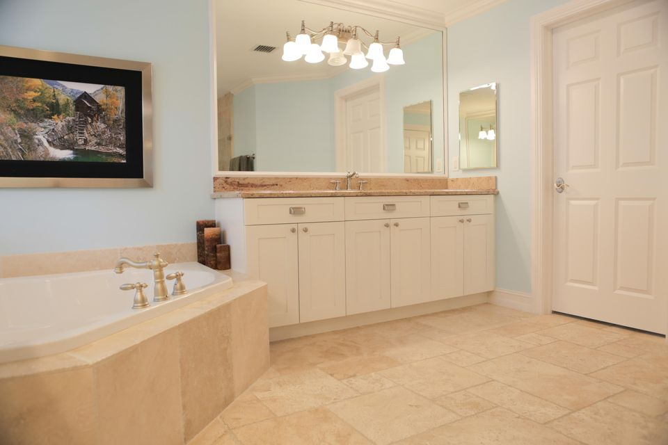 Additional photo for property listing at 802 NW 1st Avenue 802 NW 1st Avenue Delray Beach, Florida 33444 United States