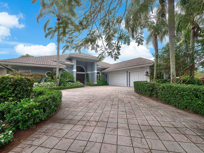 19 Saint James Drive , Palm Beach Gardens FL 33418 is listed for sale as MLS Listing RX-10397194 15 photos