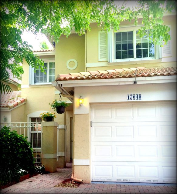 Townhouse for Sale at 17040 NW 22nd Street 17040 NW 22nd Street Pembroke Pines, Florida 33028 United States