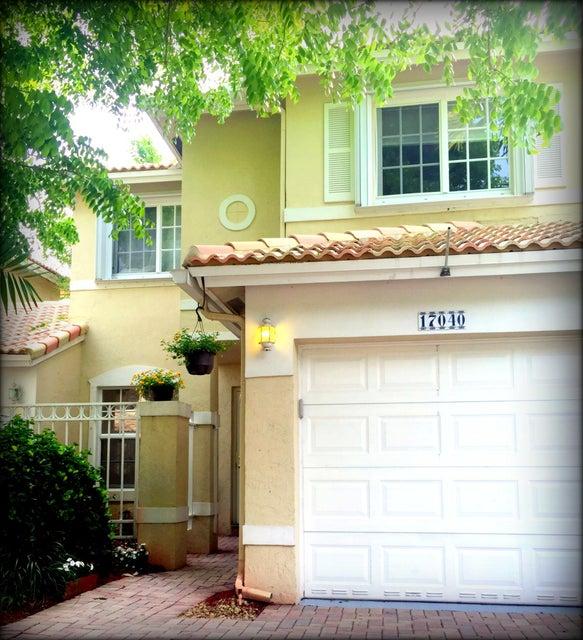 Casa unifamiliar adosada (Townhouse) por un Venta en 17040 NW 22nd Street 17040 NW 22nd Street Pembroke Pines, Florida 33028 Estados Unidos