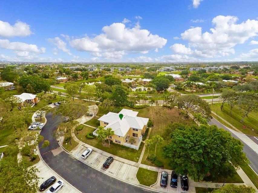 1805 Middleton Way 16-A West Palm Beach, FL 33409 photo 12