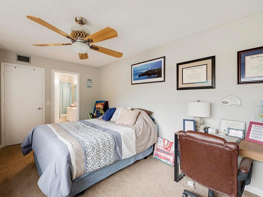 1805 Middleton Way 16-A West Palm Beach, FL 33409 photo 10