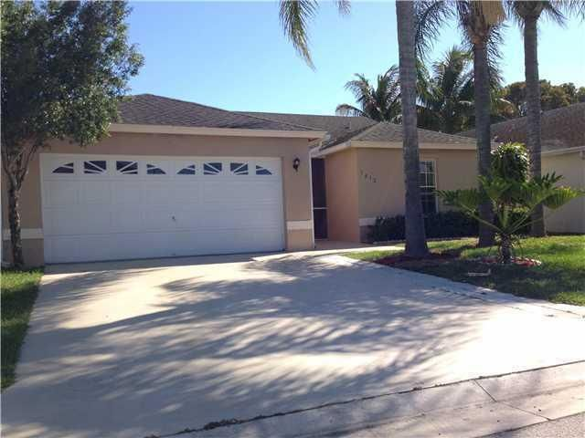 Single Family Home for Rent at 1412 Waterway Cove Drive 1412 Waterway Cove Drive Wellington, Florida 33414 United States