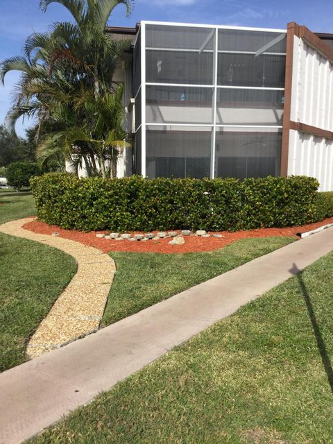 6 Greenway 112  Royal Palm Beach, FL 33411