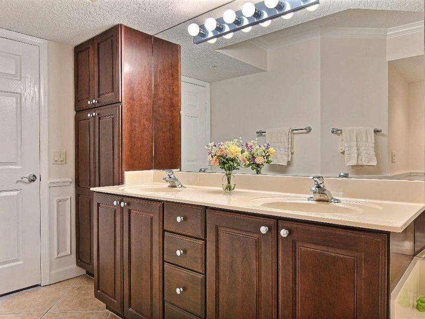 Additional photo for property listing at 5049 N A1a  # 1503 5049 N A1a  # 1503 Hutchinson Island, Флорида 34949 Соединенные Штаты
