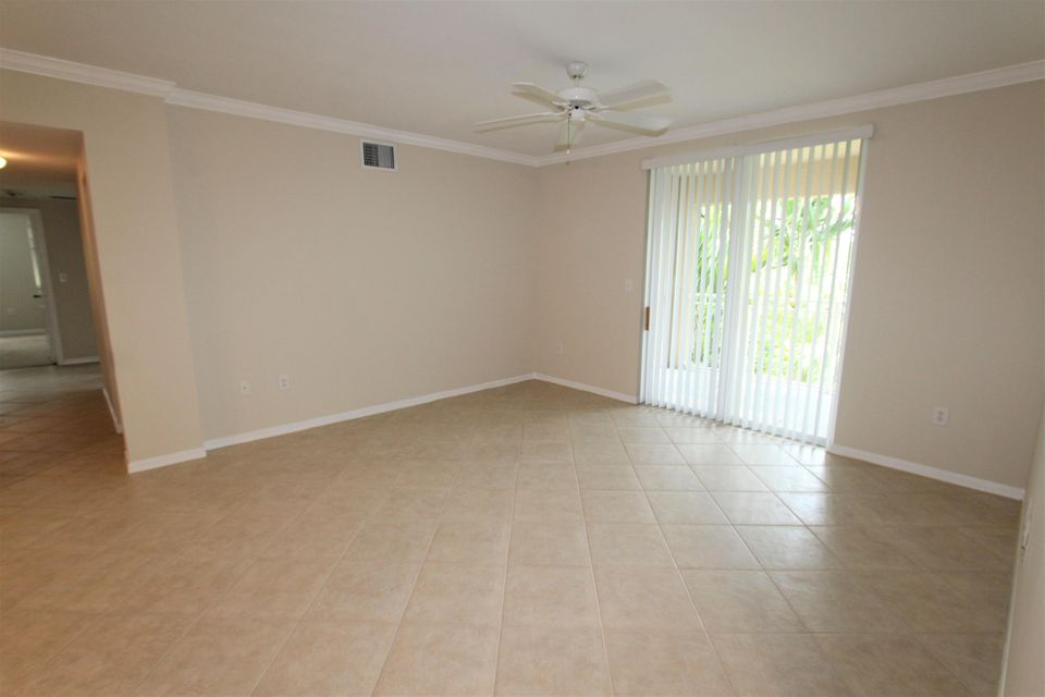 6434 Emerald Dunes Drive 304 West Palm Beach, FL 33411 small photo 5
