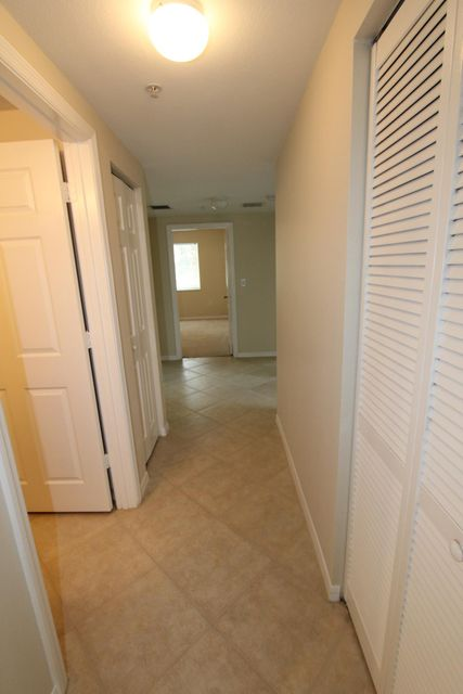 6434 Emerald Dunes Drive 304 West Palm Beach, FL 33411 small photo 11