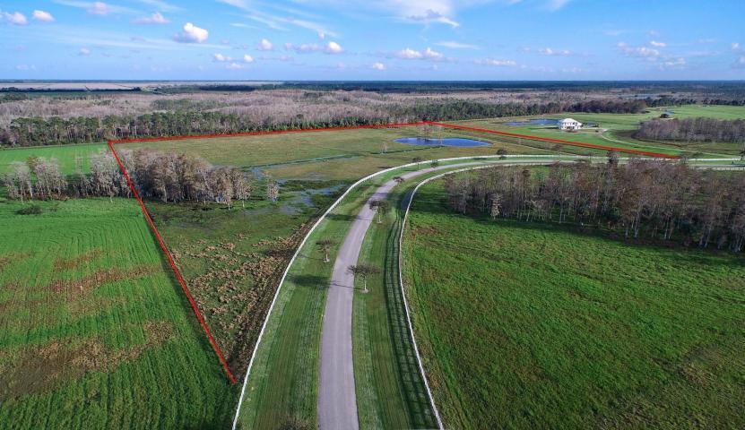 Single Family Home for Sale at 3503 SW Trailside Path 3503 SW Trailside Path Stuart, Florida 34997 United States