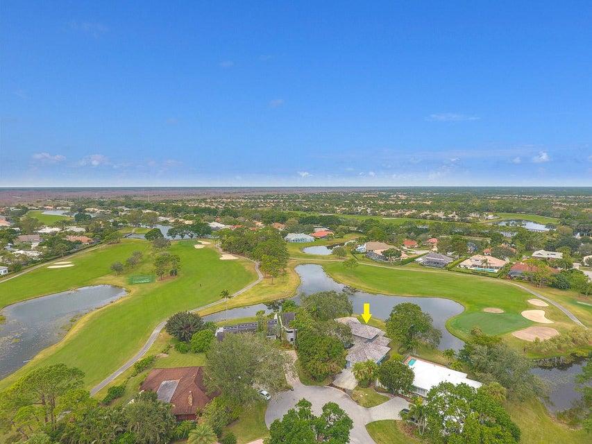 2 Tarrington Circle , Palm Beach Gardens FL 33418 is listed for sale as MLS Listing RX-10399691 41 photos