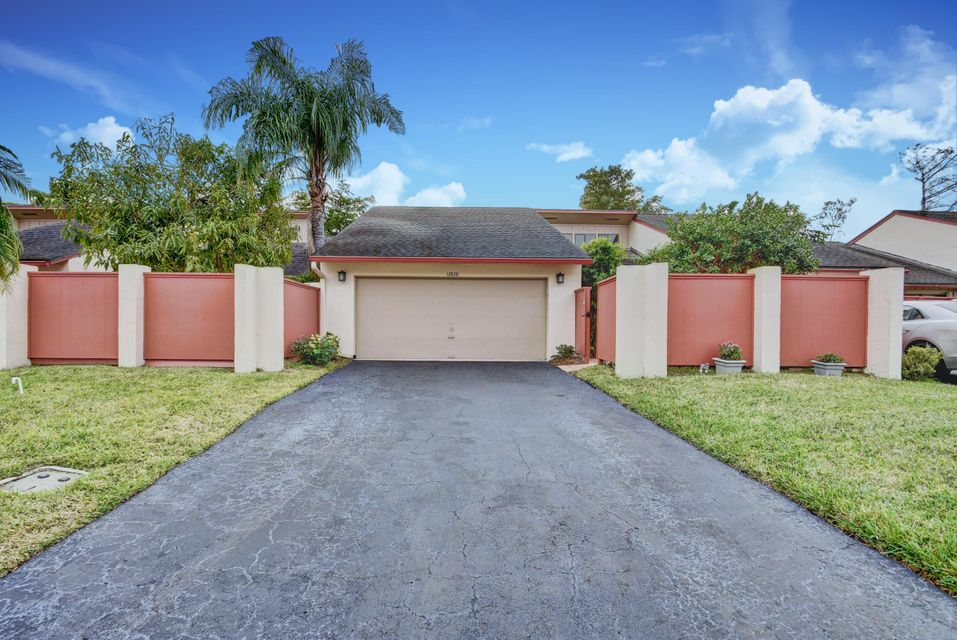 12828 Spinnaker Lane Wellington, FL 33414 small photo 1