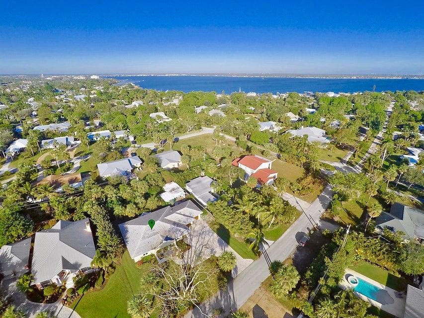 Single Family Home for Sale at 316 SE Martin Avenue 316 SE Martin Avenue Stuart, Florida 34996 United States