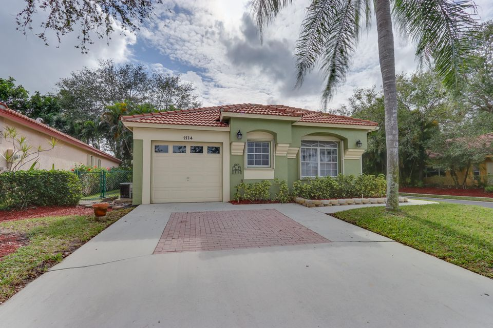 2114 Bonisle Circle , Palm Beach Gardens FL 33418 is listed for sale as MLS Listing RX-10400016 48 photos