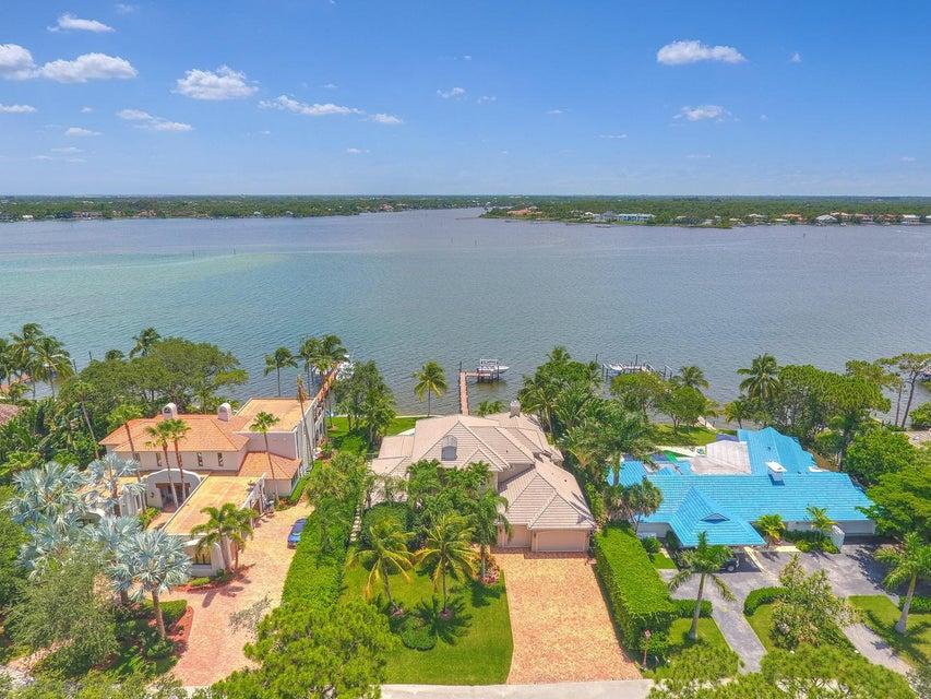 Частный односемейный дом для того Продажа на 21 Bay Harbor Road 21 Bay Harbor Road Tequesta, Флорида 33469 Соединенные Штаты