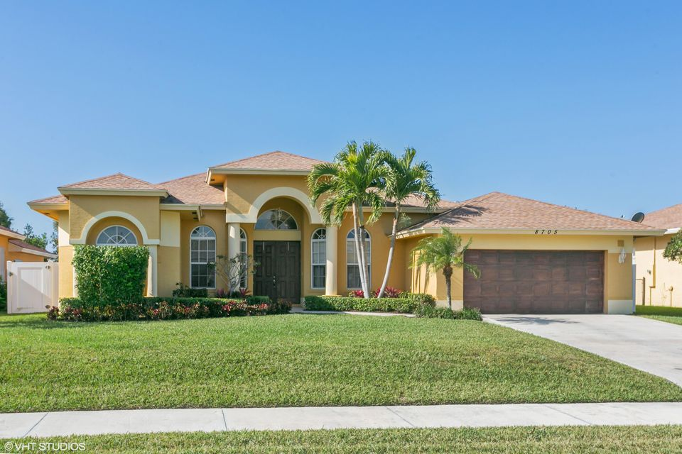 8705 SE Pinehaven Avenue 8705 SE Pinehaven Avenue Hobe Sound, Florida 33455 United States