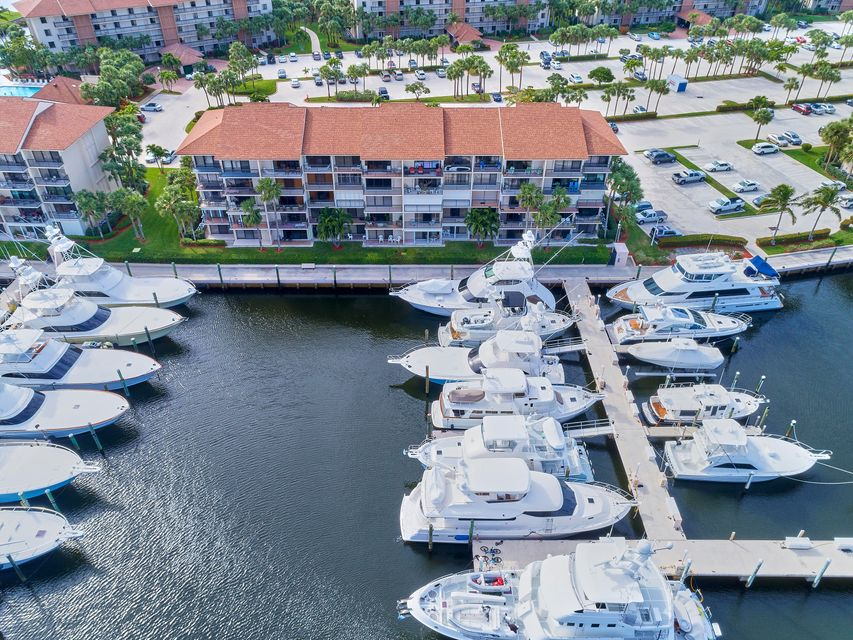 Additional photo for property listing at 2401 Marina Isle Way # 404 2401 Marina Isle Way # 404 Jupiter, Florida 33477 Estados Unidos