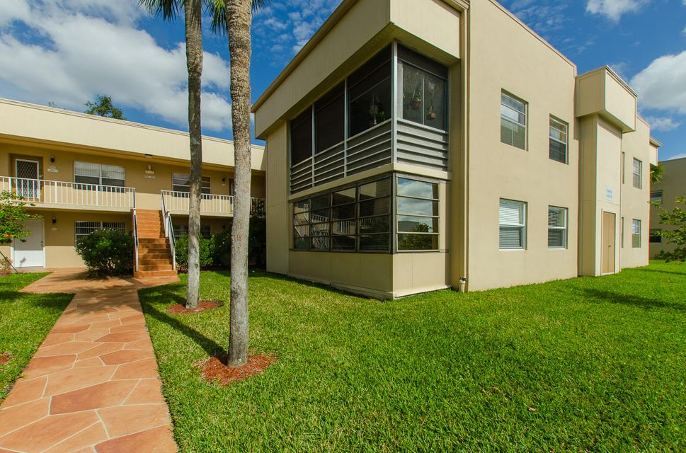 835 Normandy R  Delray Beach FL 33484