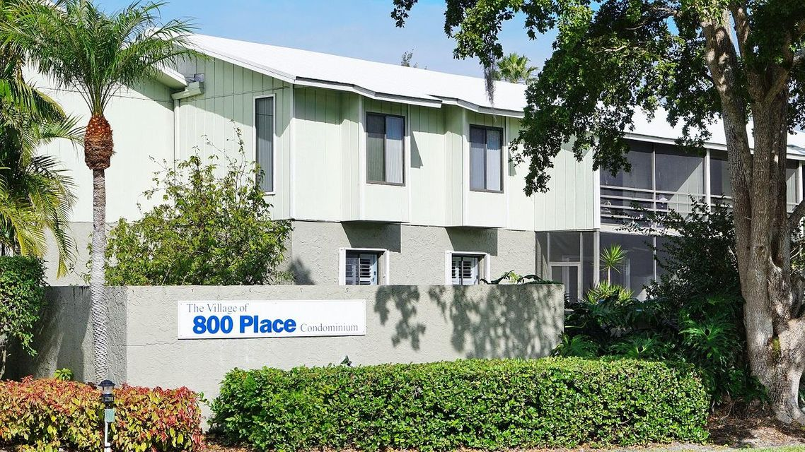 Condominium for Sale at 800 NW Fork Road # 8-11 800 NW Fork Road # 8-11 Stuart, Florida 34994 United States
