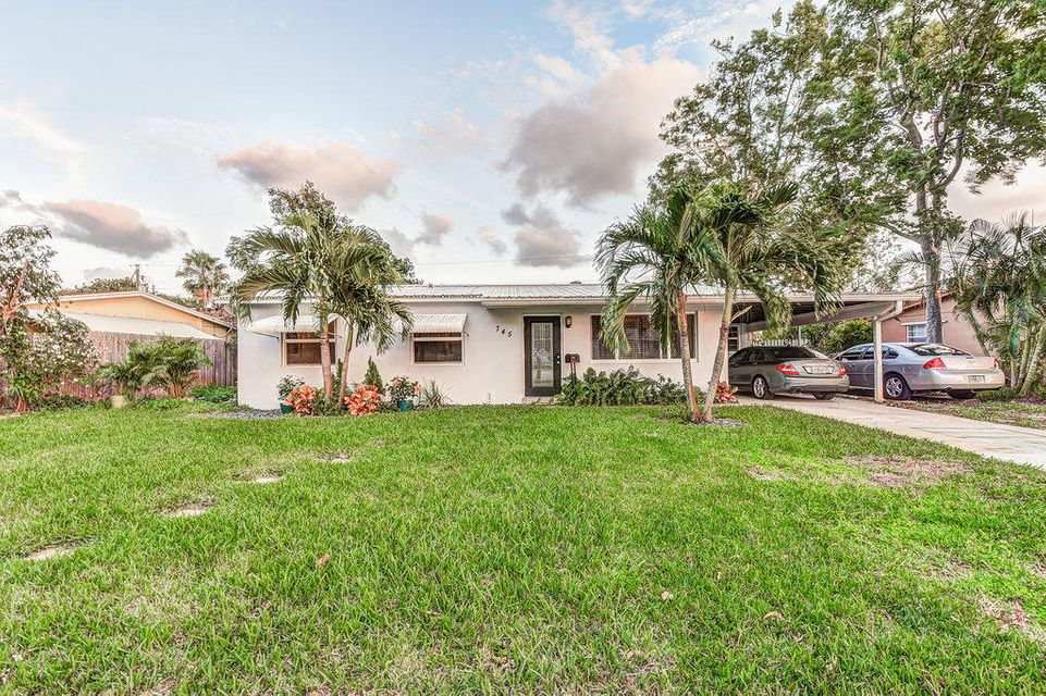 745 Cinnamon Rd - North Palm Beach, Florida