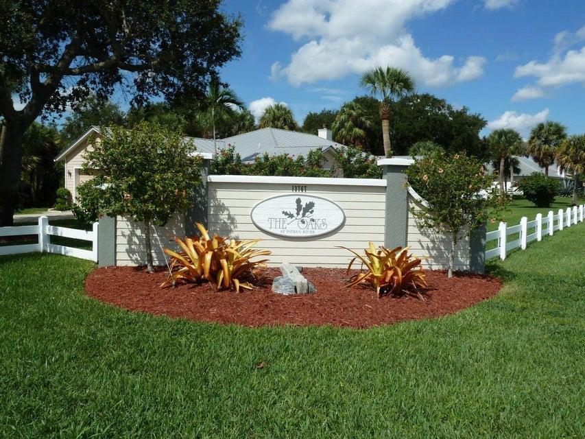 独户住宅 为 销售 在 111 Eden Creek Lane 111 Eden Creek Lane Jensen Beach, 佛罗里达州 34957 美国
