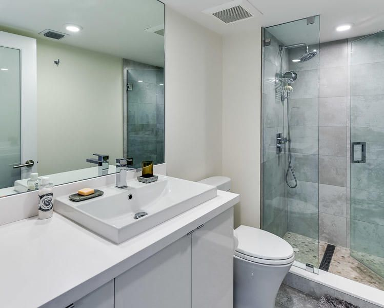 WATERVIEW TOWERS COND         UNIT 1206