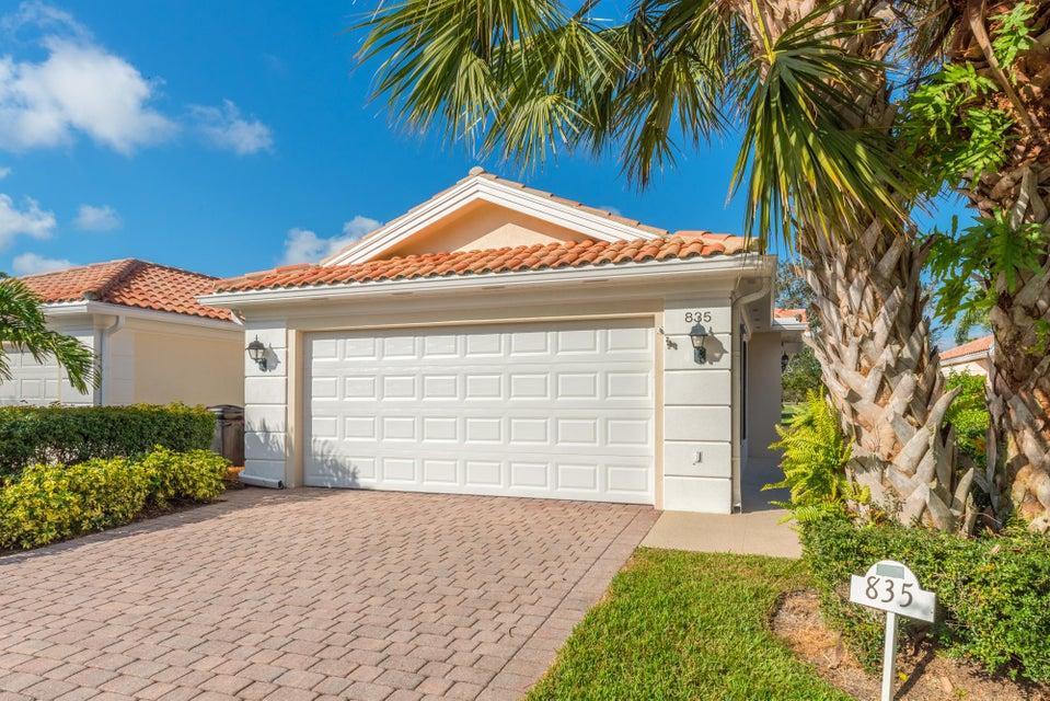 Вилла для того Продажа на 835 SW Tamarrow Place 835 SW Tamarrow Place Stuart, Флорида 34997 Соединенные Штаты