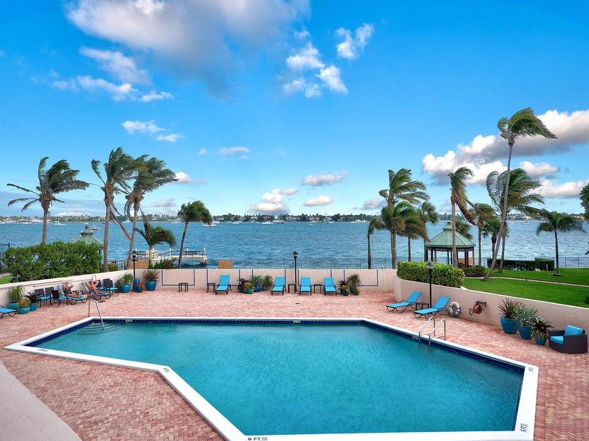 5200 N Flagler Drive 204  West Palm Beach, FL 33407