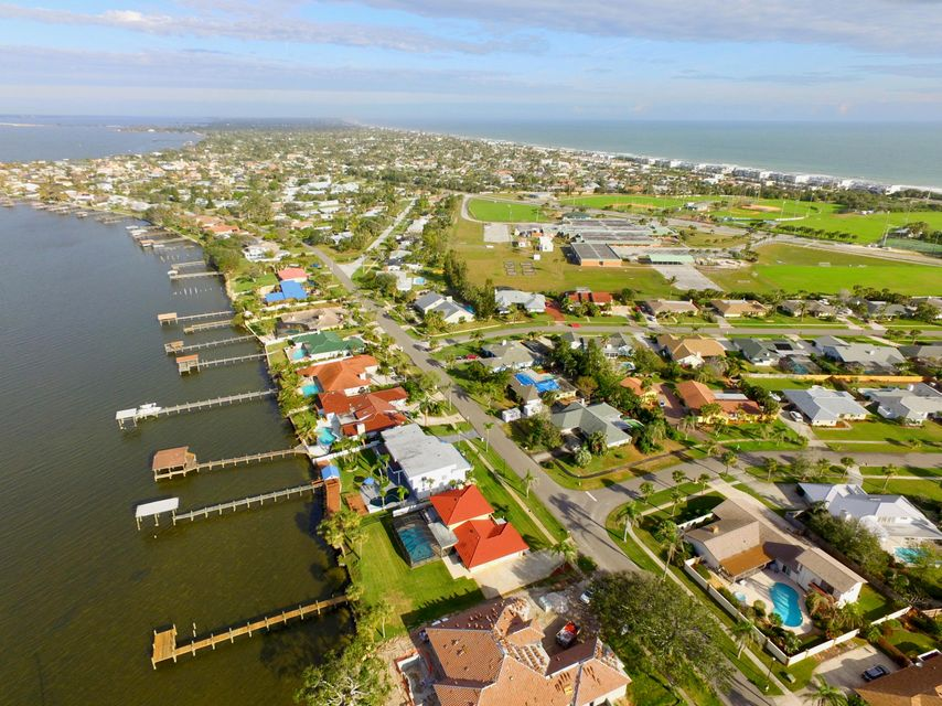 Частный односемейный дом для того Продажа на 2260 S River Road 2260 S River Road Melbourne, Флорида 32951 Соединенные Штаты