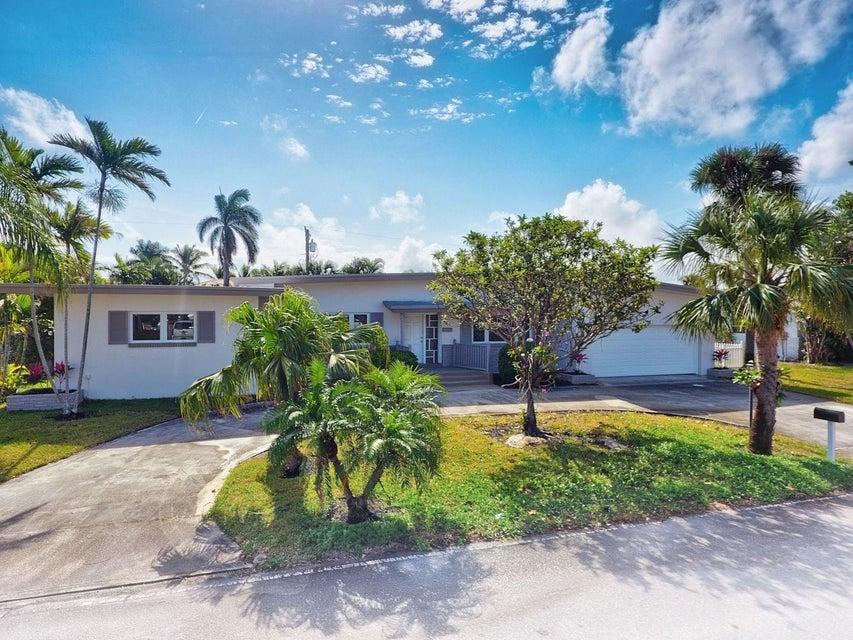 独户住宅 为 销售 在 1051 Bimini Lane 1051 Bimini Lane Riviera Beach, 佛罗里达州 33404 美国