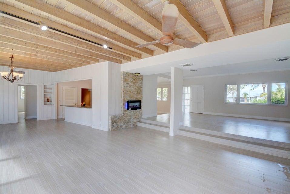 Additional photo for property listing at 1051 Bimini Lane 1051 Bimini Lane Riviera Beach, 佛罗里达州 33404 美国