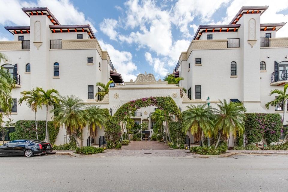 65NE 4th Avenue #B,Delray Beach,Florida 33483,4 Bedrooms Bedrooms,4 BathroomsBathrooms,Townhouse,Village Grande,NE 4th,RX-10400478,for Sale
