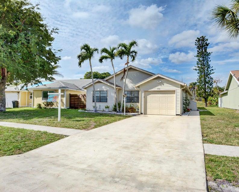 4756 Brook Drive  West Palm Beach, FL 33417