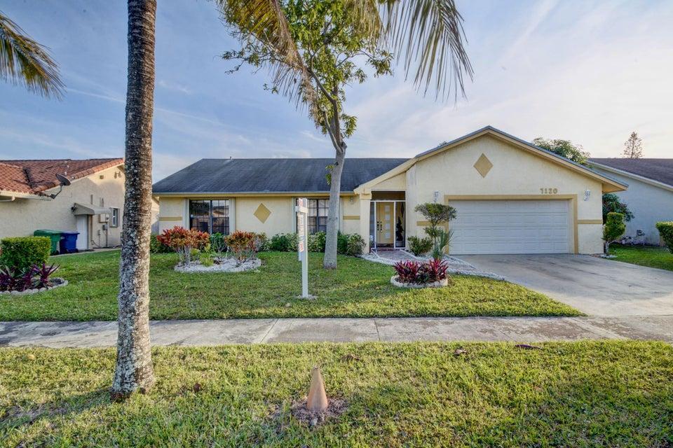 独户住宅 为 销售 在 7120 NW 46 Street 7120 NW 46 Street Lauderhill, 佛罗里达州 33319 美国