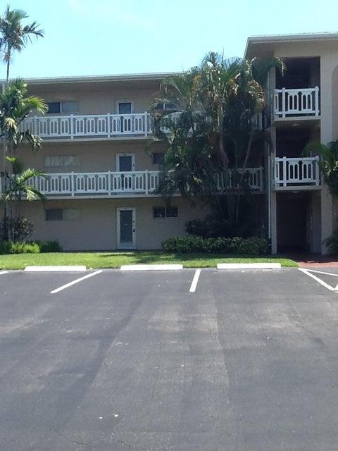2724 Garden Drive 201  Lake Worth, FL 33461