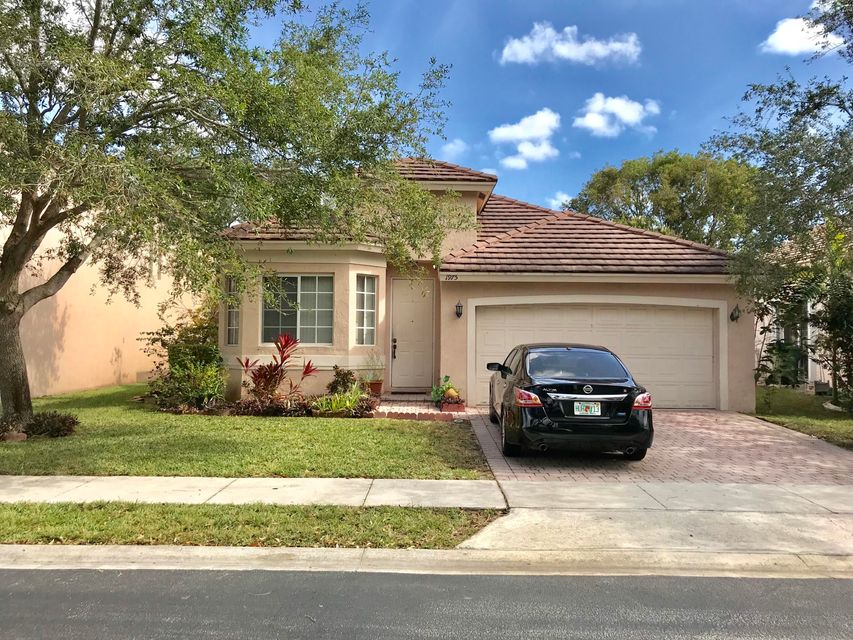 Single Family Home for Sale at 1975 NW 100 Way 1975 NW 100 Way Pembroke Pines, Florida 33024 United States