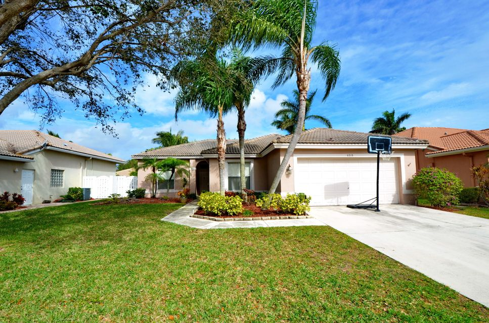 5715 Muirfield Village Circle  Lake Worth, FL 33463