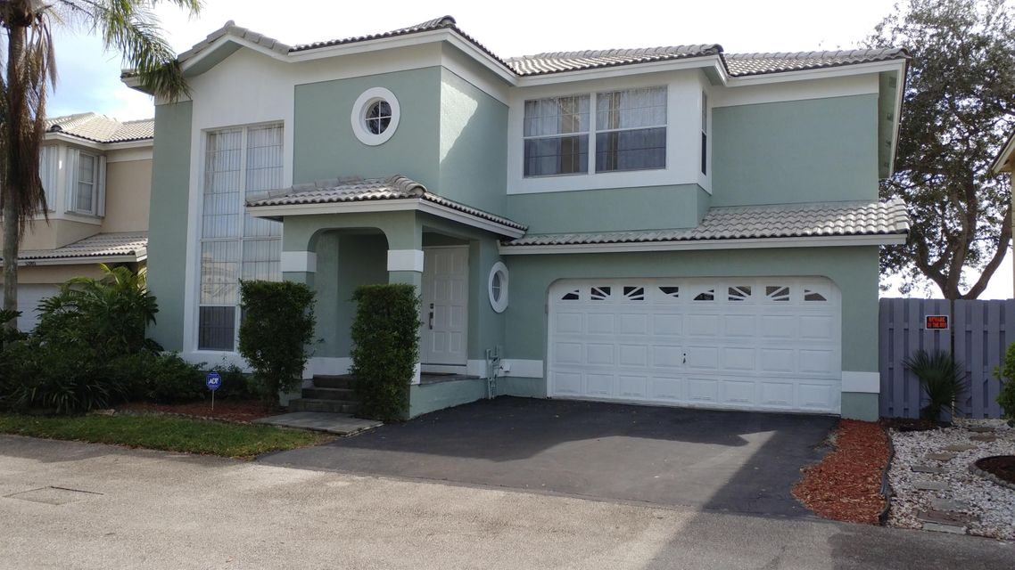 Single Family Home for Sale at 5370 NW 41st Way 5370 NW 41st Way Coconut Creek, Florida 33073 United States