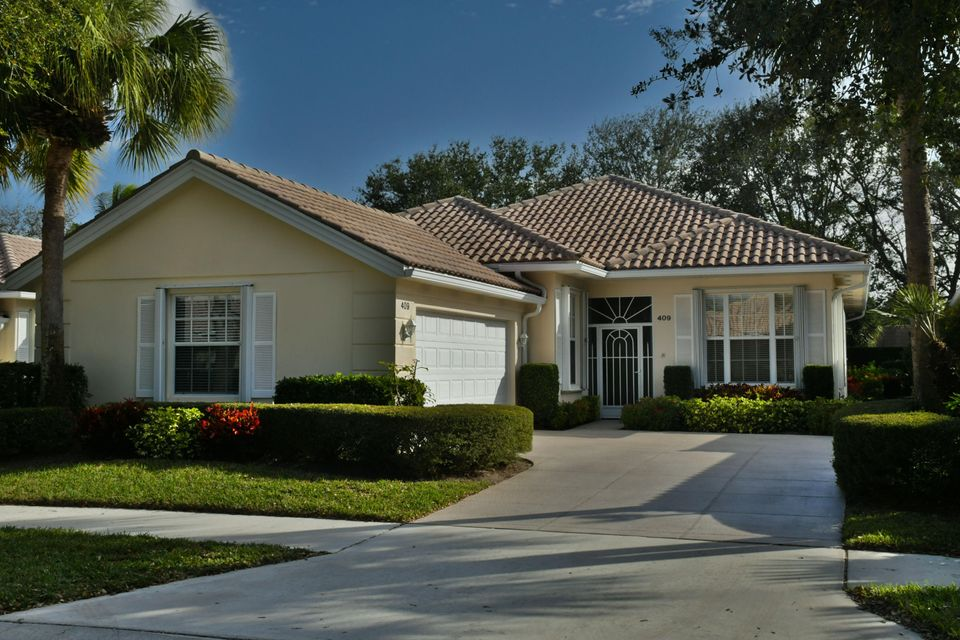 409 Kelsey Park Drive , Palm Beach Gardens FL 33410 is listed for sale as MLS Listing RX-10400658 41 photos