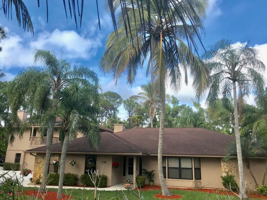 7169 154th Road , Palm Beach Gardens FL 33418 is listed for sale as MLS Listing RX-10399617 35 photos